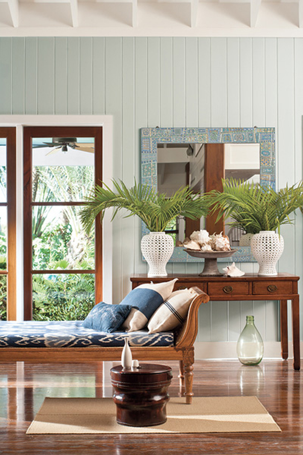 Florida Plantation House - Benjamin Moore Color Trend 2014 Palette