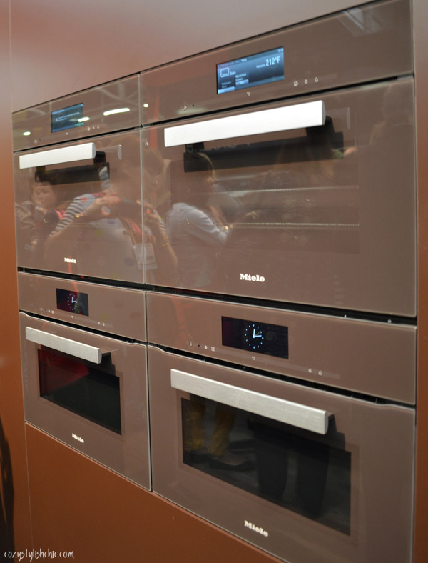 The generation 6000 miele combi steam oven in a new for Eye level oven kitchen designs